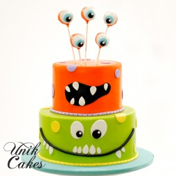 1st-birthday-cake---little-monsters-theme