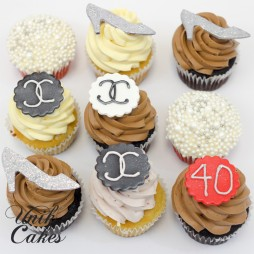 40th-birthday-cake-and-dessert-table-for-fashionista-cupcakes