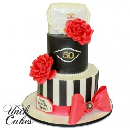 50th-birthday-cake-with-red-roses-and-designer-bag