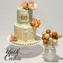 60th-birthday-with-sugar-flowers