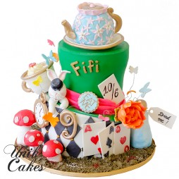 Alice-in-wonderland-replica-birthday-cake