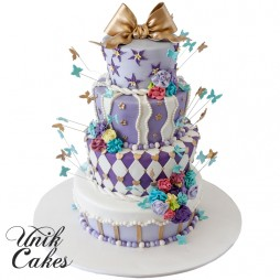 Alice-in-wonderland-themed-wedding-cake