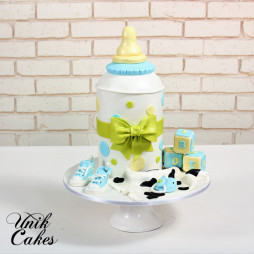 baby-bottle-baby-shower-cake