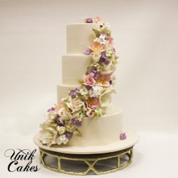 Beautiful flower cascade wedding cake (12)