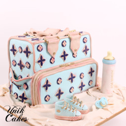 Louis Vuiton baby shower cake and cookies (4)