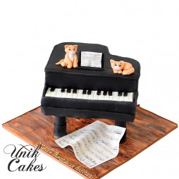 baby-grand-piano-birthday-cake-with-cats