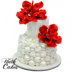 birthday-cake-with-red-flowers