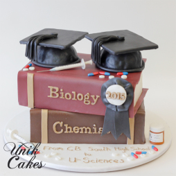 graduation-cake-with-textbooks-and-caps