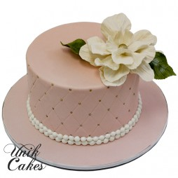pink-small-elegant-cake-with-flower