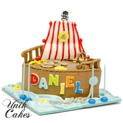 pirate-ship-cake-for-daniel