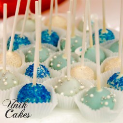 wedding-cake-and-groomesmans-cake-cake-pops-details-4