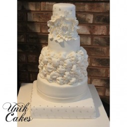 wedding-cake-for-lilly-and-tom