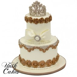 wedding-cake-with-crown